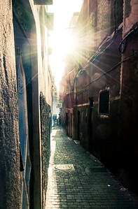 Sun in the Alley