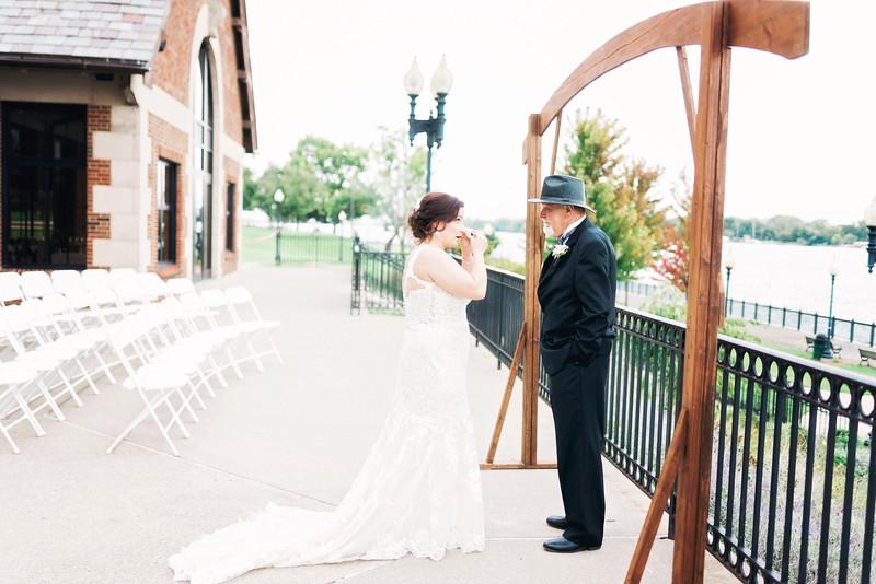 chateau-on-the-river-trenton-michigan-wedding-0098.jpg