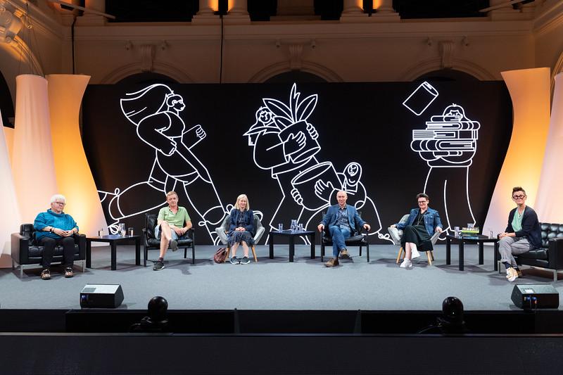 Val McDermid, Doug Johnstone, Marisa Haetzman & Chris Brookmyre (aka Ambrose Parry) and Mary Paulson Ellis in conversation with Peggy Hughes at the 2021 Edinburgh International Book Festival