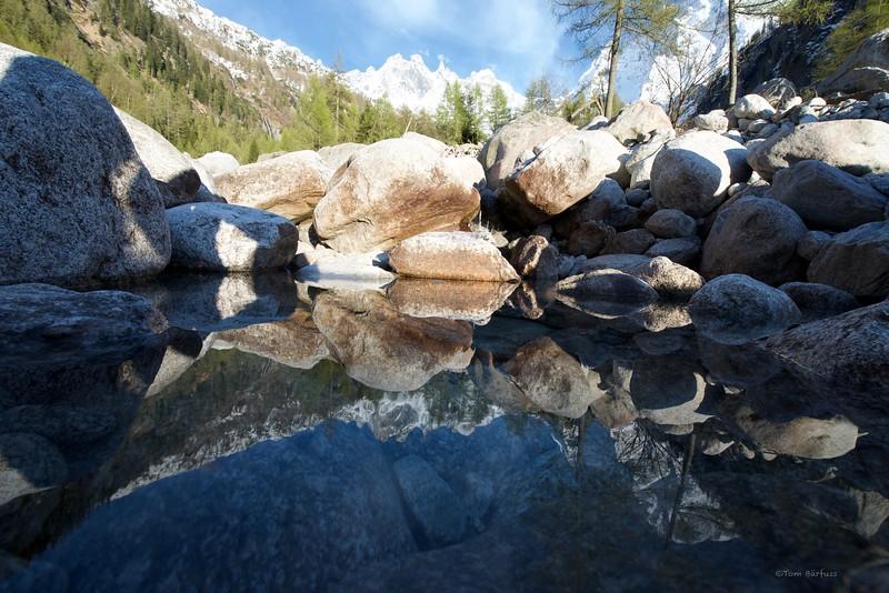 Val Bondasca reflction