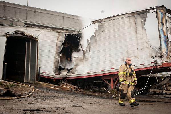 South Elgin FPD - Hoffer Plastics Pallet Fire - 10-26-18