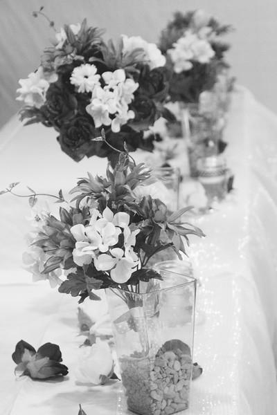 Flowers B&W-7788.jpg