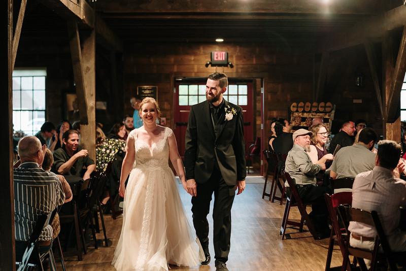 rustic_ohio__fall_barn_wedding-360.jpg