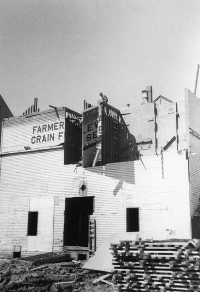 ARE015.  Arthur Farmers Elevator construction – 1951.jpg