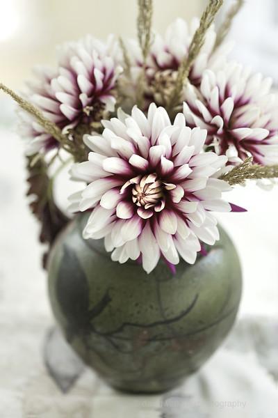 RedWhite Dahila Bouquet.jpg