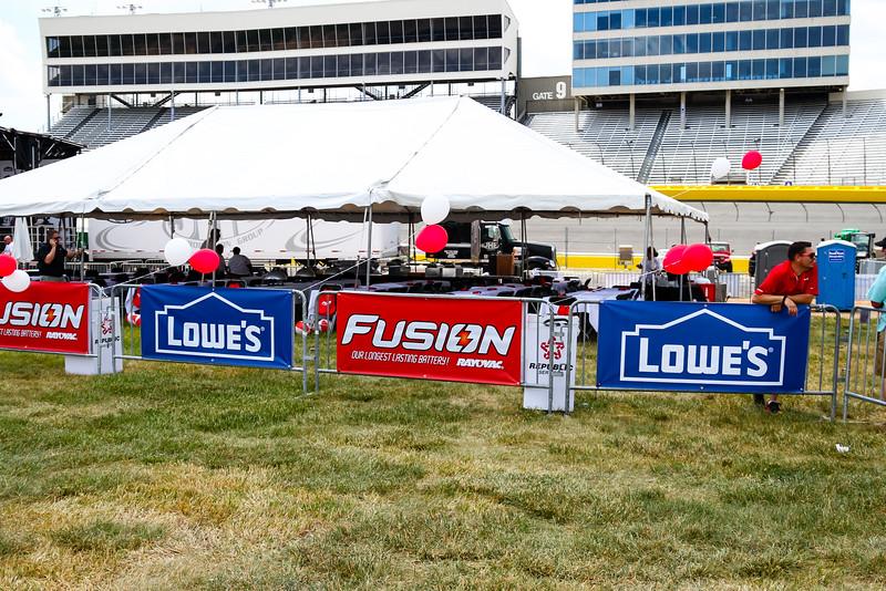 NASCAR_Lowes_061.jpg