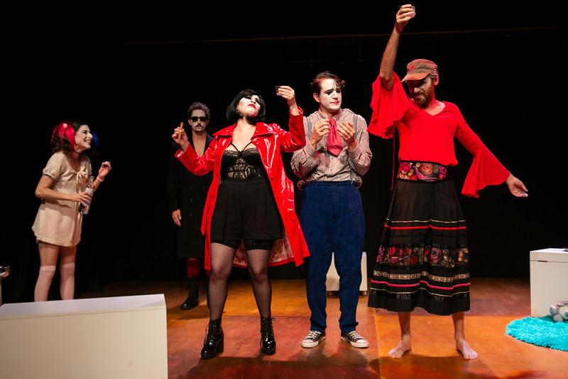 Allan Bravos - essenCIA Teatro - Persona 07-120.jpg