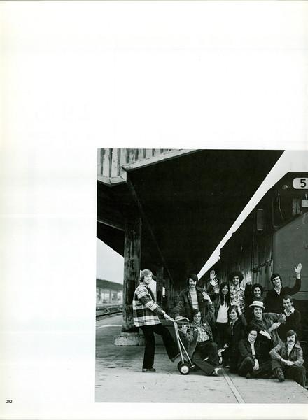 uschist-er-1975~0303.jpg