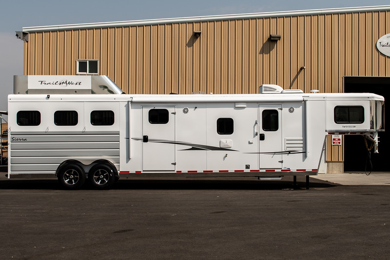 2019 TW Horse Trailers & Tack Rooms-195-2.jpg