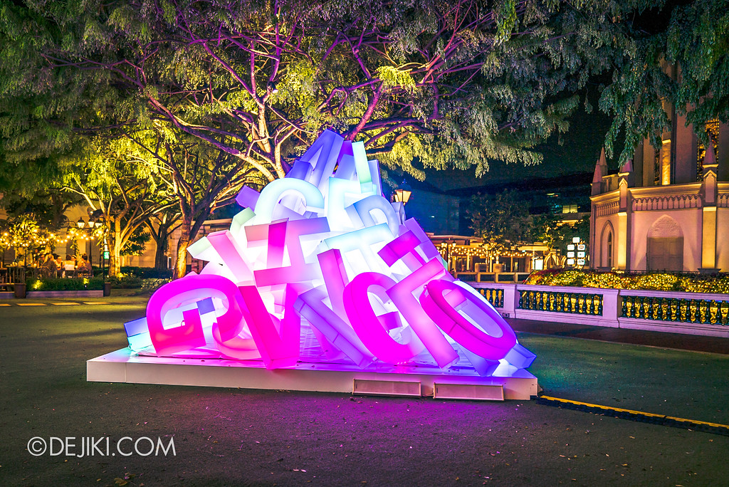 Singapore Night Festival 2018 - Night Lights / Before The Word by Pierre Ranzini and  Cristina Di Pasqual - colourful glow