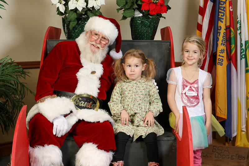 TBTP 2019 Photos with Santa-34.JPG