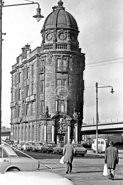 Shamrock St and New City Rd.  Glasgow Savings Bank     February 1976