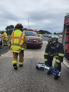 3 Car MVA - Exit 61 I-84 Machester CT