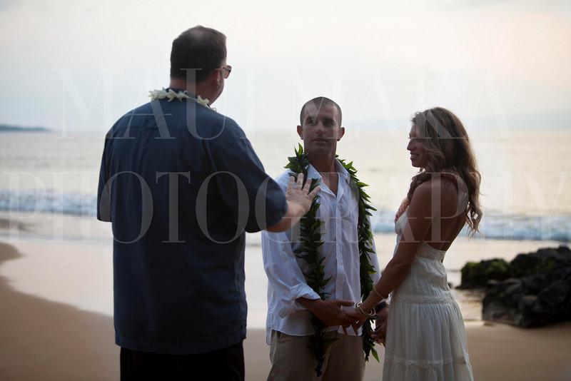 20110213Wailea Wedding (MMP-mona-cntr-2ln)IMG_5379.jpg