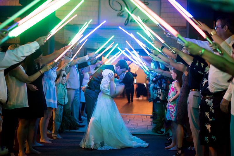 star-wars-lightsaber-wedding-exit.jpg