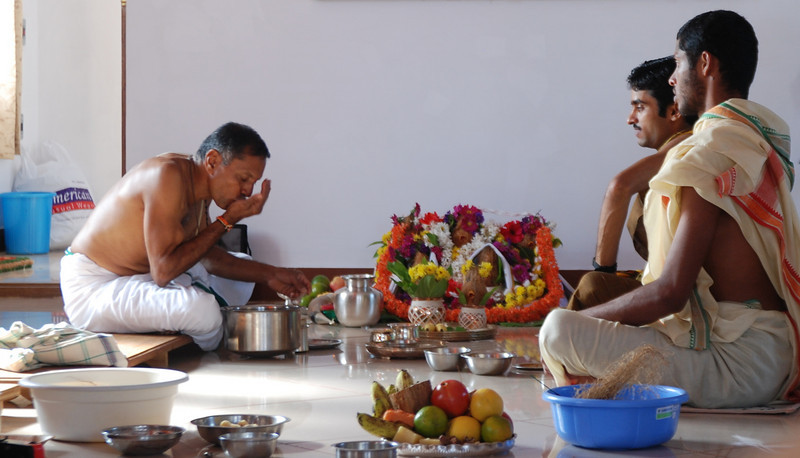 Puja at Sheshadri's new shala.