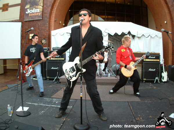 Channel 3 - Autry Museum Show with CH3 - DI - The Dickies - TSOL - June 18, 2004
