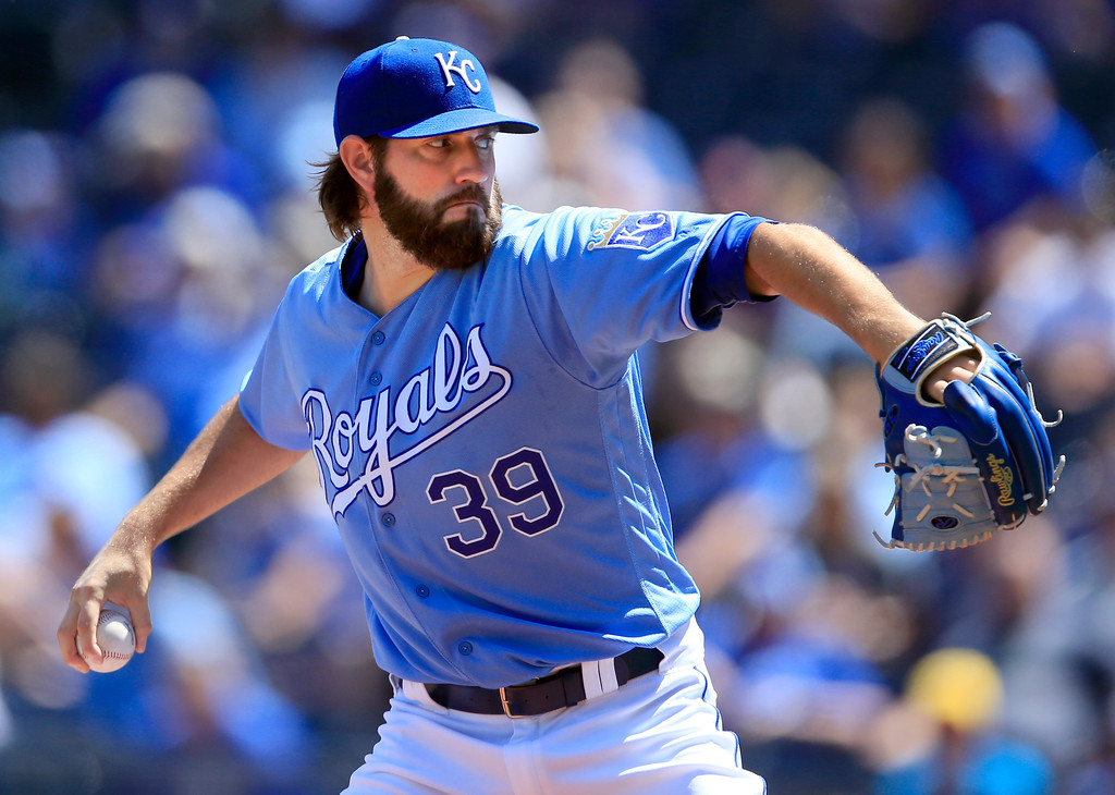 . Kansas City Royals starting pitcher Jason Hammel delivers to a Cleveland Indians batter during the first inning of a baseball game at Kauffman Stadium in Kansas City, Mo., Sunday, Aug. 20, 2017. (AP Photo/Orlin Wagner)
