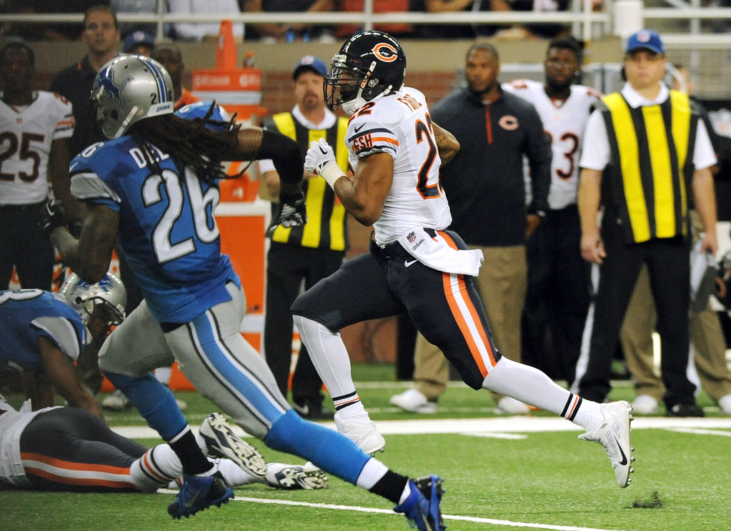 . Chicago Bears running back Matt Forte (22) breaks for a 53-yard touchdown during the second quarter of an NFL football game against the Detroit Lions at Ford Field in Detroit, Sunday, Sept. 29, 2013. (AP Photo/Jose Juarez)