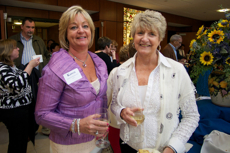 Karen Fredericks Ryle, left, Class of 1977 and Jane Cass O'Leary, right of the Class of 1962
