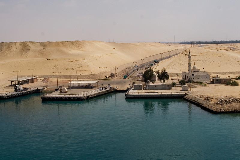 Waitinig to cross the Suez 2.jpg