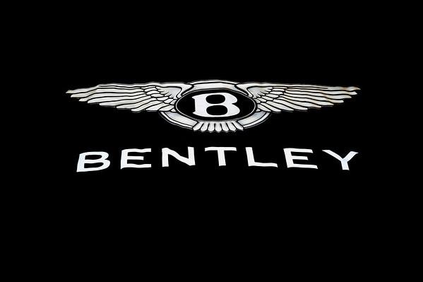 BENTLEY BENTAYGA REVEAL