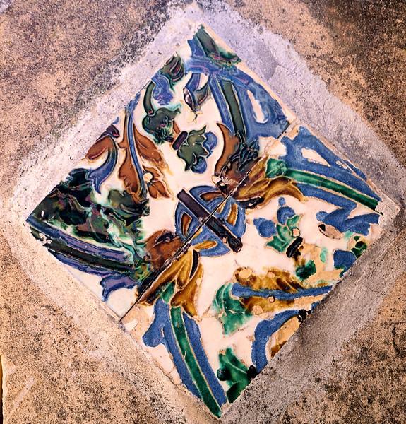 08_19 portofino castle tile DSC04859.JPG