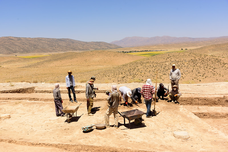 Archeolists at work, Pasargadae