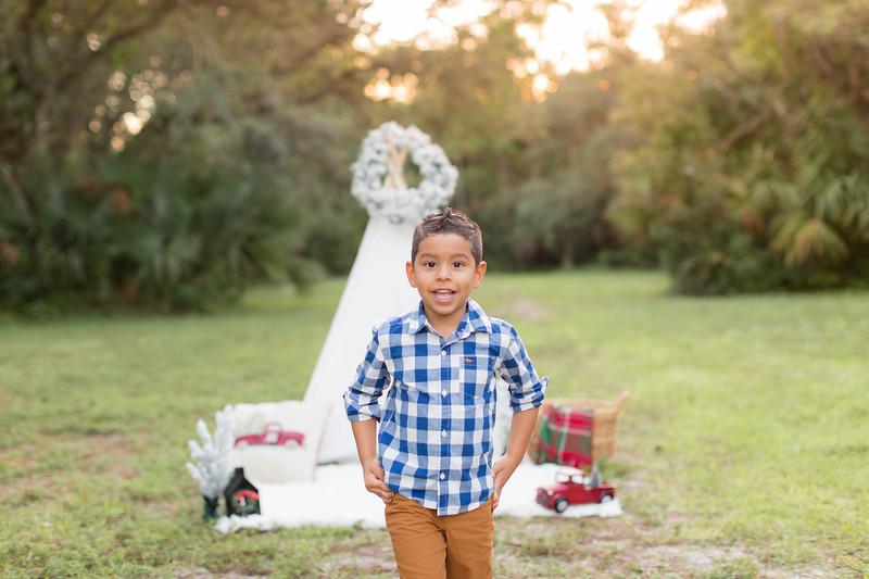 Ariza Family 2020-31.jpg