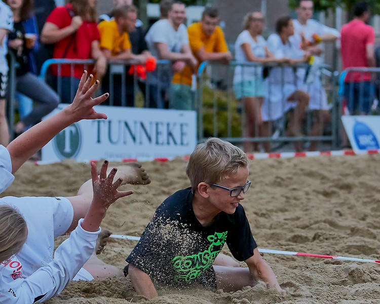 20160610 BHT 2016 Bedrijventeams & Beachvoetbal img 214.jpg