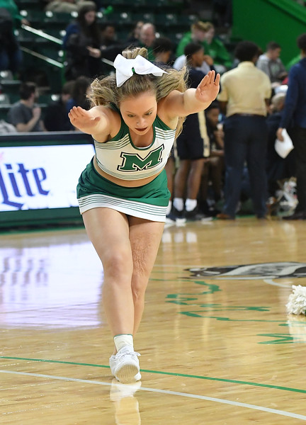 cheerleaders3667.jpg