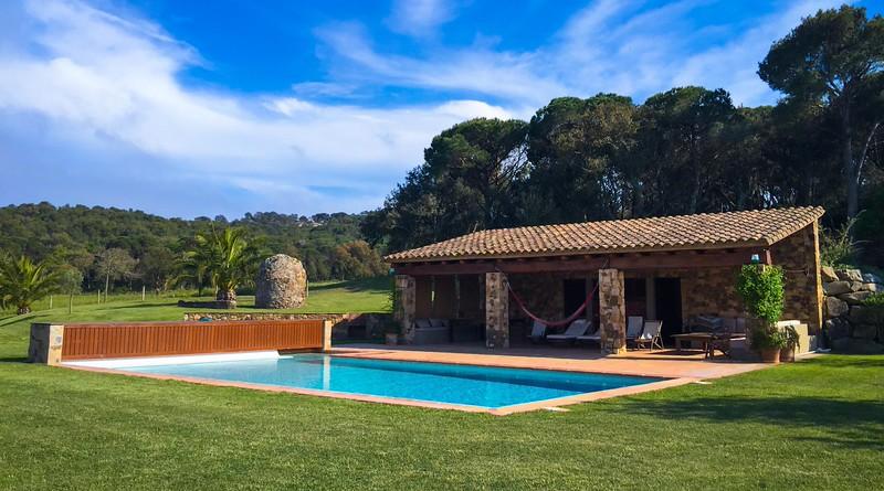 charming-villas-costa-brava-spain-3.jpg