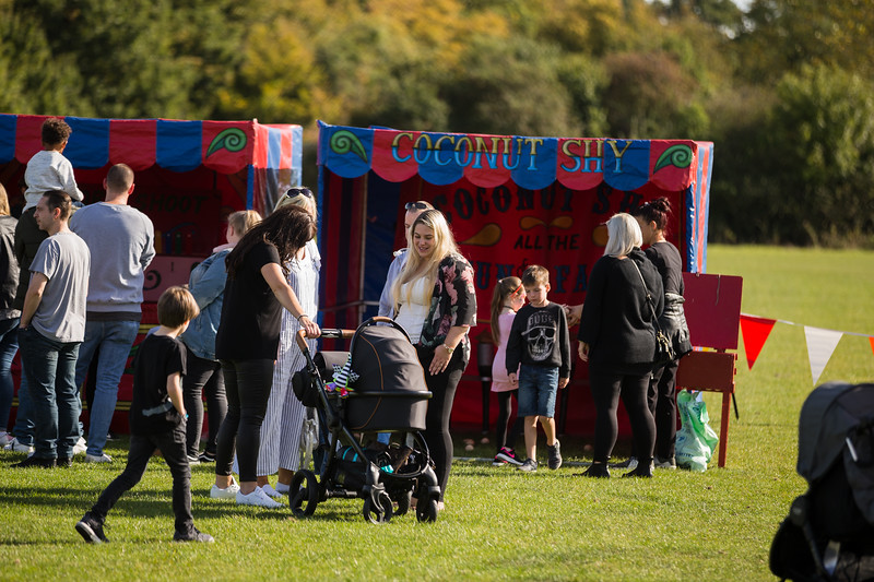 bensavellphotography_lloyds_clinical_homecare_family_fun_day_event_photography (298 of 405).jpg