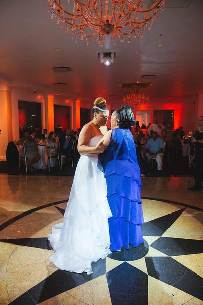 MER__0916_tonya_josh_new jerrsey wedding photography.jpg
