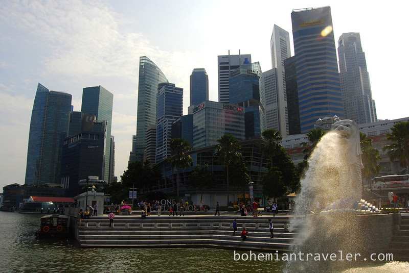 Merlion and skyline Singapore (2).jpg