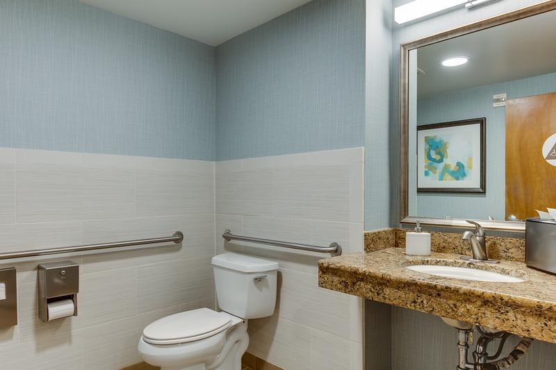 Restroom IMG_6825enf.jpg