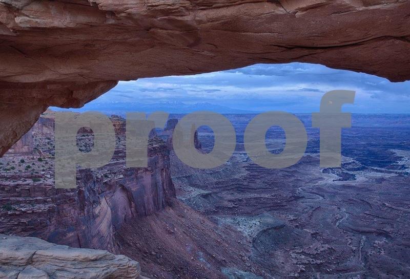 Canyonlands, Mesa Arch 6302_HDR (2).jpg