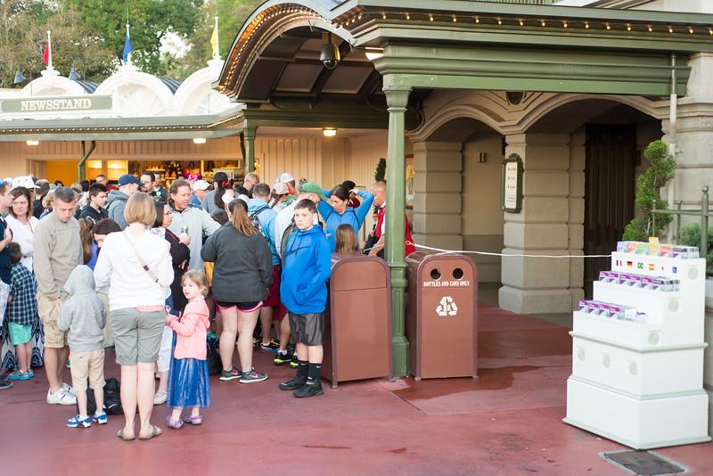 Entrance Line-up - Magic Kingdom Walt Disney World