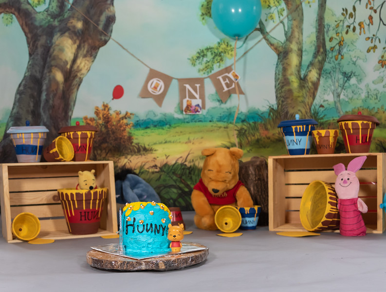 20200215-Orion1stBirthday-PoohDecore-3.jpg