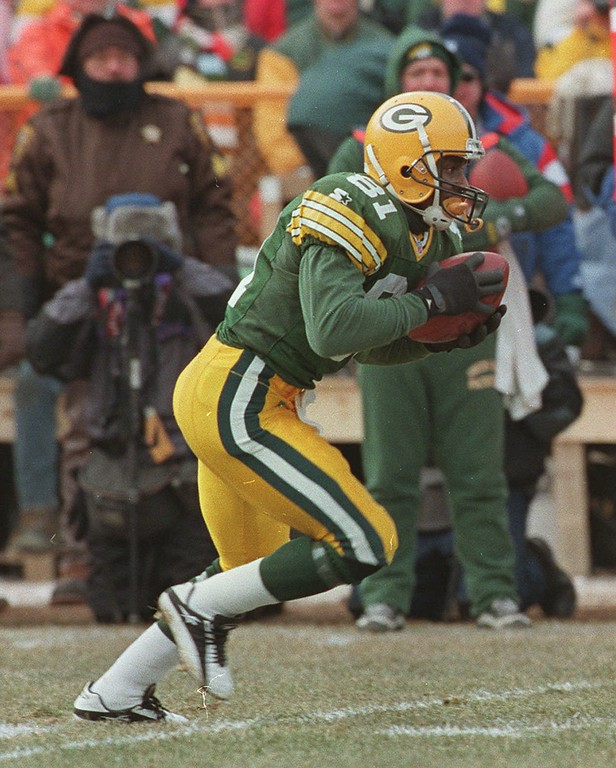 . Green Bay Packers Desmond Howard (81) in action against the Carolina Panthers in the NFC Championship game in Green Bay, Wisc. Sunday Jan. 12, 1996. (AP Photo/Mark Duncan)