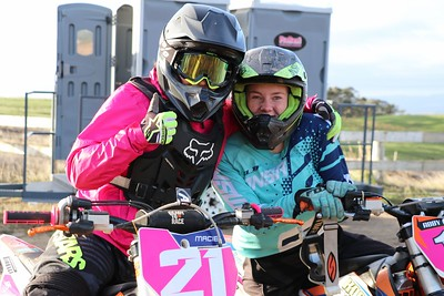 Junior 125 and Girls