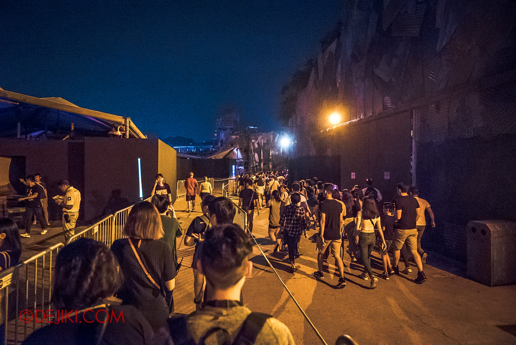 Halloween Horror Nights 7 Singapore - RIP Tour Review / Front of the line access