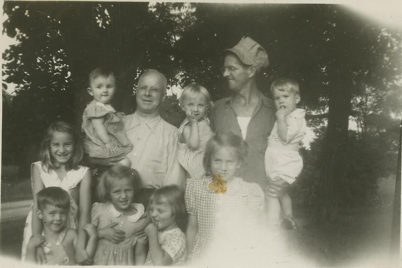 Bill, Dad, Bills girls & Dick & Tom108.jpg
