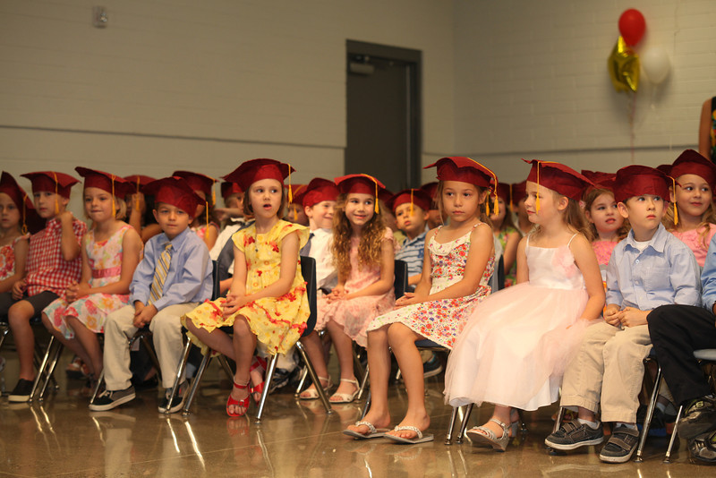 2012May18_MTA Kinder Grad_9668.JPG