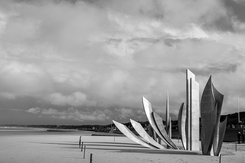 Monument on Omaha Beach-1273.jpg