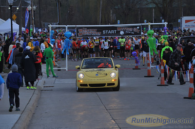 Marathon Pre-Race - 2014 Martian Invasion of Races