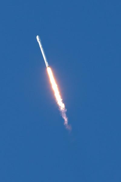 Rocket_011417_Falcon9_7071.jpg