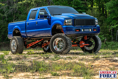 Dylan-Tallman-Sonic-Blue-2003-Ford-F250-22x14-Independence-@dylan6uhoh