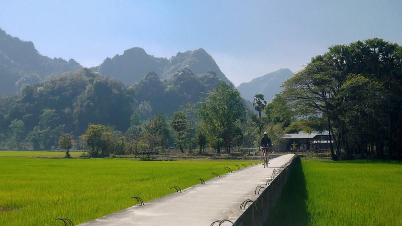 Hpa-an, Burma - Myanmar-38.jpg