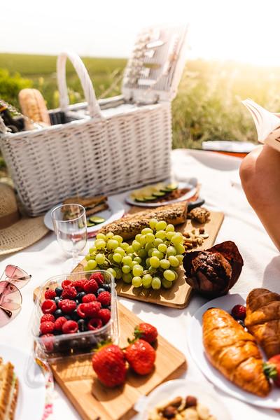 picnic-refreshment-picjumbo-com.jpg